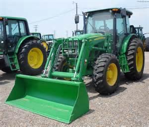 tracteur John Deere 6115D