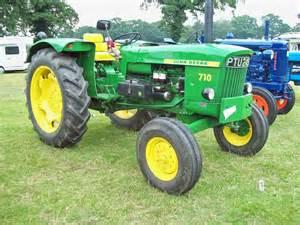 tracteur John Deere 710