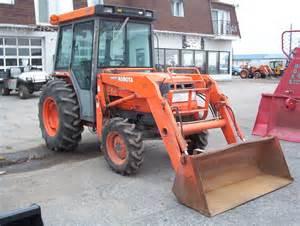 tracteur Massey Ferguson 1045