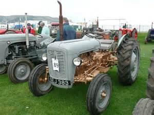 tracteur Massey Ferguson 20