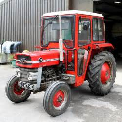 tracteur Massey Ferguson 235