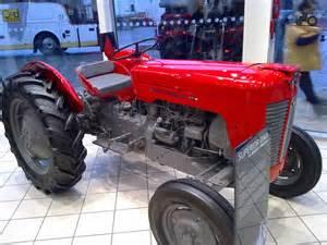 tracteur Massey Ferguson 25