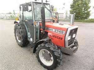tracteur Massey Ferguson 374S