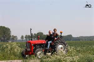 tracteur Massey Ferguson 461