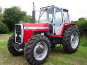 tracteur Massey Ferguson 699
