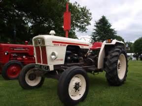 tracteur Case 885