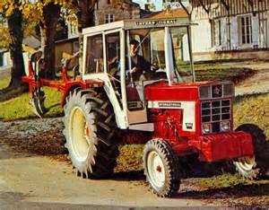 tracteur IH 1046