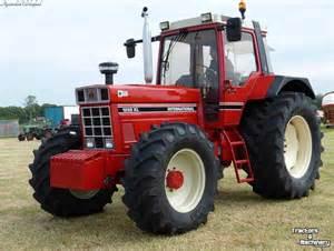 tracteur IH 1255