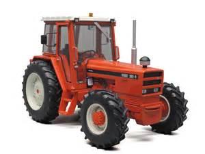 tracteur IH 130