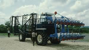 tracteur IH 323