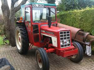 tracteur IH 454E