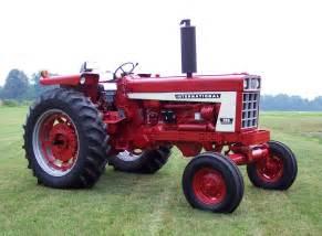 tracteur IH 666