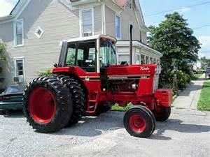 tracteur IH 986