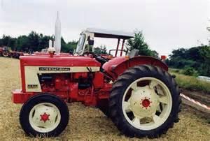 tracteur IH D-212