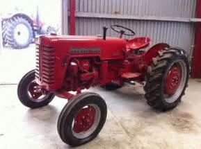 tracteur IH D-320