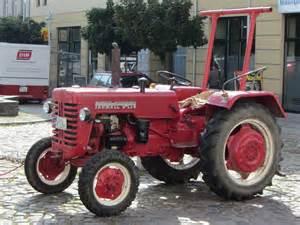 tracteur IH D-324