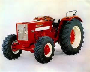 tracteur IH DF-25