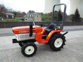 tracteur Kubota B1400