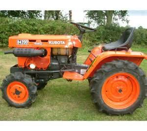 tracteur Kubota B4200