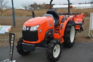 tracteur Kubota FT240