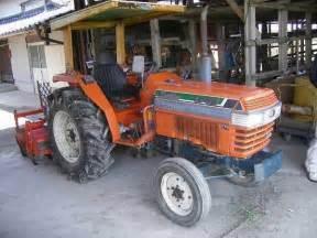 tracteur Kubota L1-28