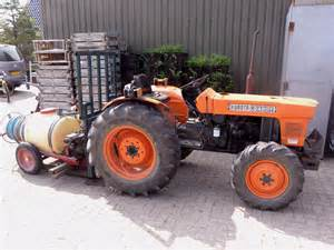 tracteur Kubota L245
