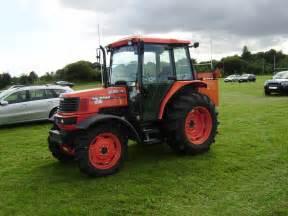 tracteur Kubota M95D