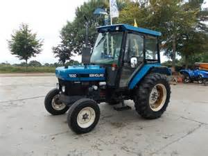 tracteur New Holland 1720