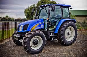 tracteur New Holland T4040V