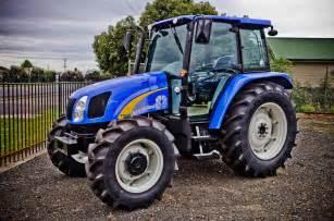 tracteur New Holland T4040V