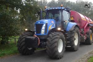 tracteur New Holland T8020