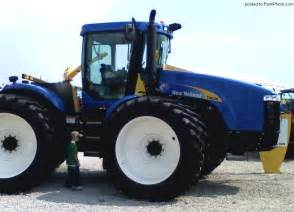 tracteur New Holland T9020