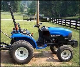 tracteur New Holland TC18