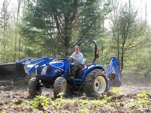 tracteur New Holland TC29