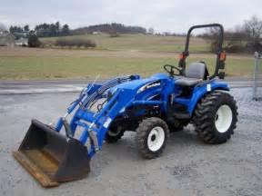 tracteur New Holland TC29DA