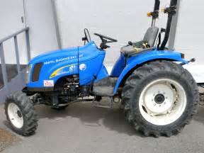 tracteur New Holland TC31DA