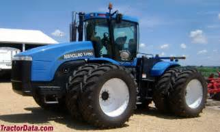 tracteur New Holland TJ450