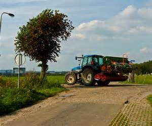 tracteur New Holland TM115