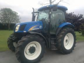 tracteur New Holland TS100