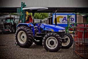 tracteur New Holland TT75