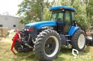 tracteur New Holland TV145