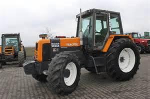 tracteur Renault 133-54