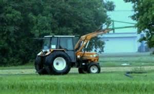 tracteur Renault 85-12 LS