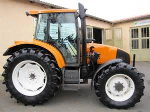 tracteur Renault ARES 550