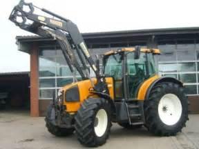 tracteur Renault ARES 636
