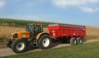 tracteur Renault ARES 715