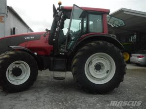 tracteur Valtra T151E