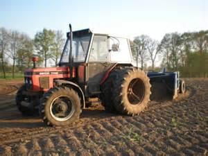 tracteur Zetor 7745