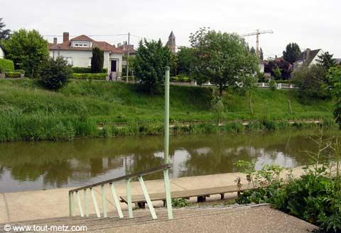 Parc de la Seille à Metz cote riviere 5
