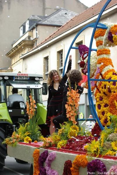 Photos corso fleuri de la mirabelle 2013 metz for Adresse metz expo